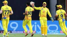 Dhoni with csk
